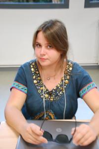 Fjona Méca, jeune reporter de Tirana
