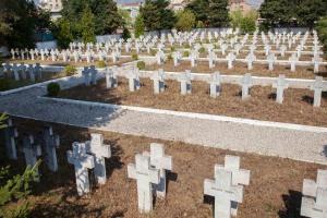 Le cimetière militaire de Korça compte 640 tombes - Photo Virginie Favrel