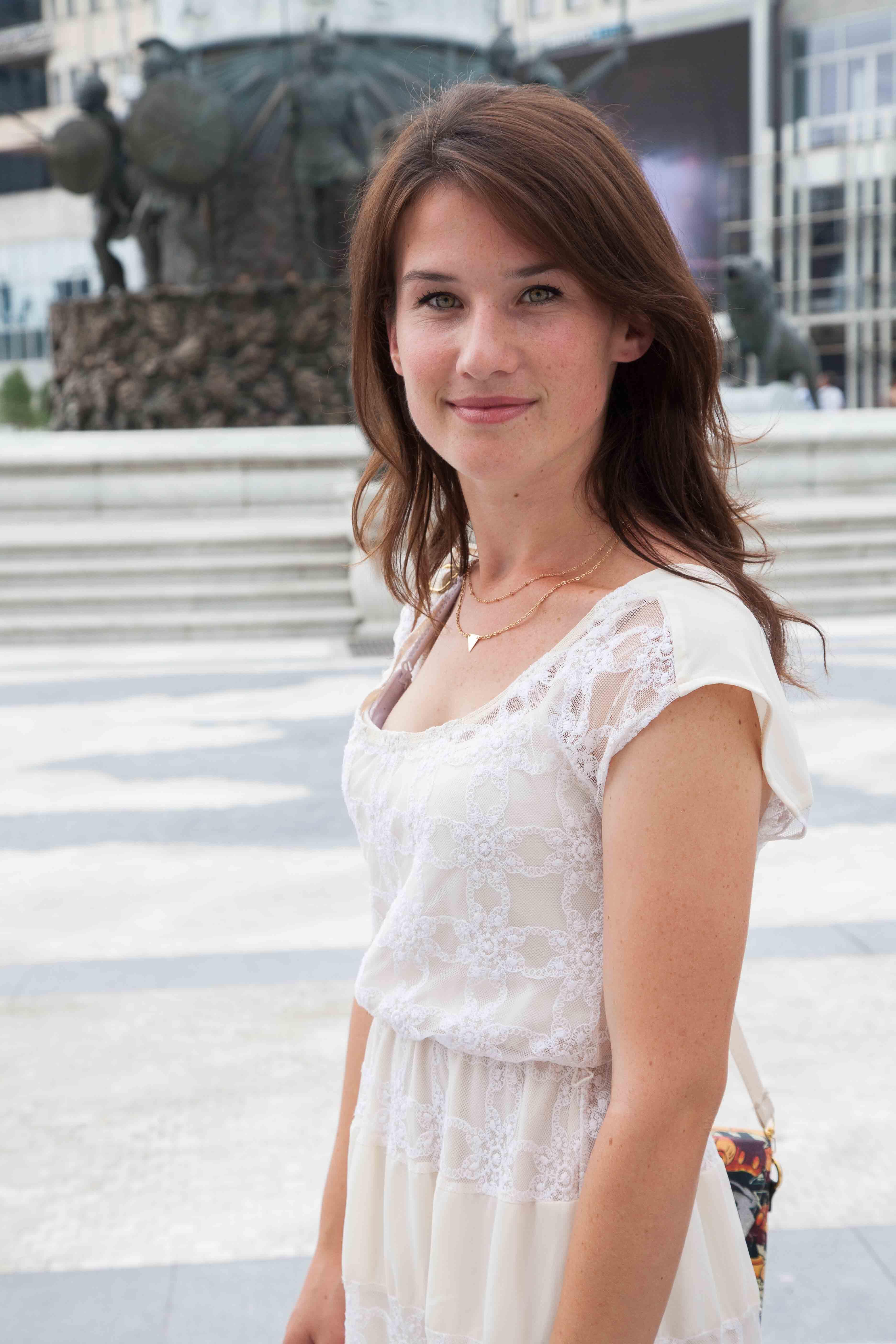 Feride Licolli, jeune de Korçë