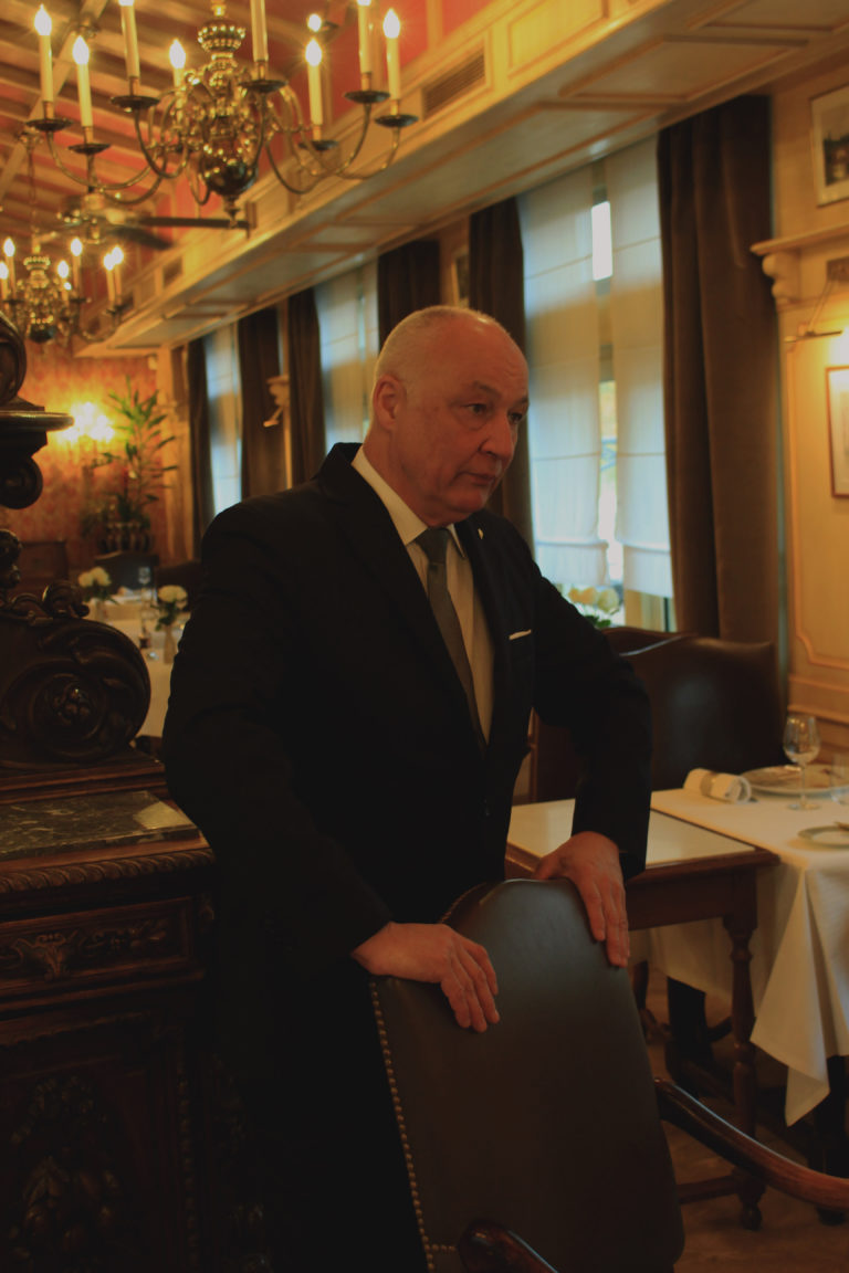 Jean Philippe Merlin: Maître d'hôtel