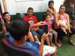 Des rires et des algecos : rencontre chez des Roms à Saint-Denis