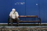 Lire sur un banc, Mostar, BiH